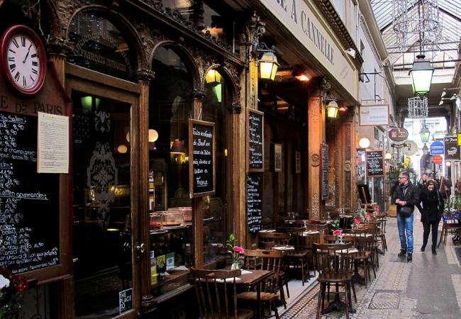 Explorez les passages couverts parisiens