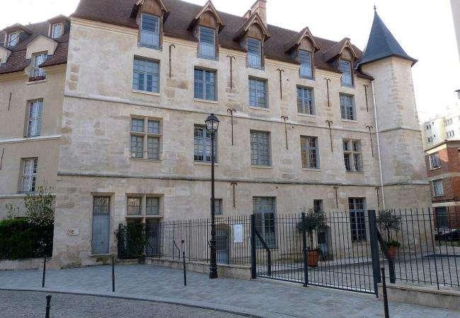 Hidden châteaux in the heart of Paris
